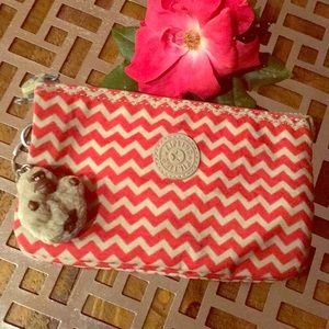 Kipling multi pocket zippered pouch wallet zig zag